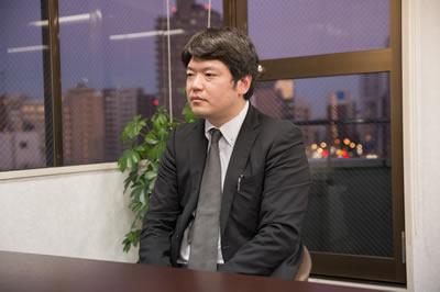 Shuhei Ito, der allgemein mit dem Erwerb von Arbeitsvisa betraut ist